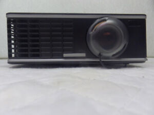 InFocus IN1503 DLP Projector  HDMI + VGA  $290.00 or best offer