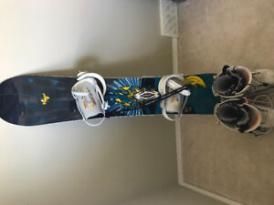 Forum snowboard with 32 boots