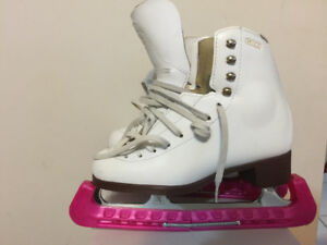 Youth Skates with skateguard and Bauer Helmet - White