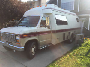 Luxury Camper Van Transtar On Ford One Ton