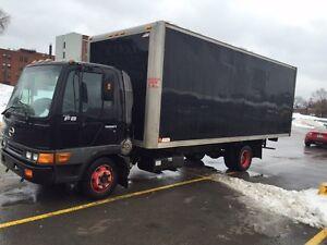 Camion HINO FB1817 pour exportation ou pieces