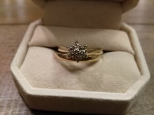 CLUSTER DIAMOND RING -SIZE 11