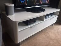 White High Gloss Accent TV Stand Unit