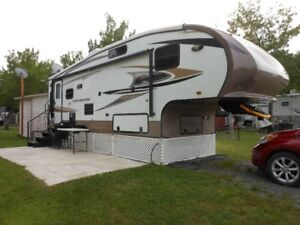 FIFTH WHEEL CRUISER (R L X) 2012   27  PIEDS
