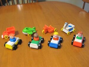 VINTAGE FISHER PRICE LITTLE PEOPLE CARS FOR THE GARAGE lot #1
