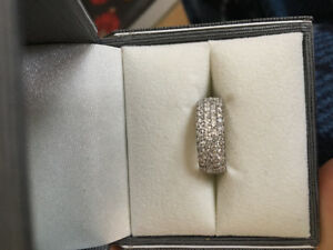 Brand New 1.75 carat diamond band $2600 OBO