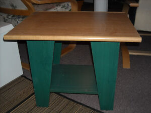 COFFEE TABLE/GREEN AND LIGHT WOOD/USED/EXCELLENT CONDITION