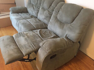 Great, comfy and relaxing couch! FREE if willing to pickup! Downtown-West End Greater Vancouver Area image 2