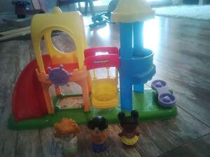 Lot of Little People, House, Garden, Kids Playground/Park