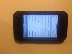 *** iPod touch 4th generation 32 Gb (4th gen 32GB ) with case