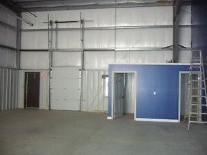 2000 sq. ft. Commercial Unit for Lease Highway Location Stratford Kitchener Area image 1