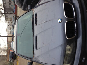 X5 BMW $4500 New winter tires New Battery