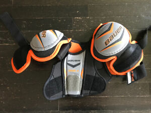 Youth size small hockey equipment . Lightly used.