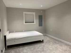 one bedroom rent out(near surrey center)