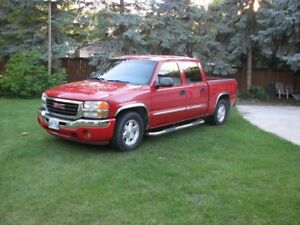 2005 GMC Sierra Crew Cab 2WD-reduced