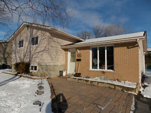 1369 Waverly Cres,  3 bed home