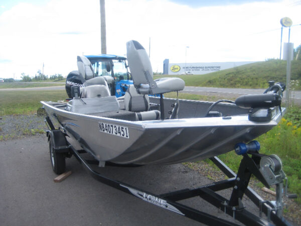 Used 2013 Lowe Boats 16 foot