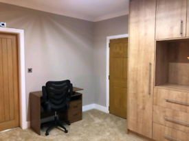 Newly refurbished en-suite rooms to let by LRI. ALL bills included!