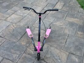 Fliker scooter. Pink and black.