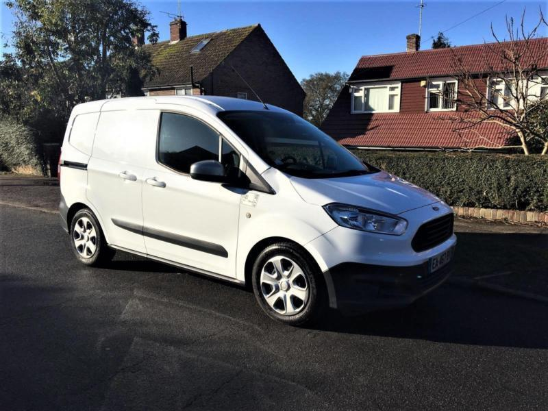 d4abd1cb58 2016 Ford Transit Courier 1.5 TDCi LHD + LEFT HAND DRIVE + ONLY 40K