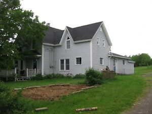Farm house, large barn & garage - West Northfield