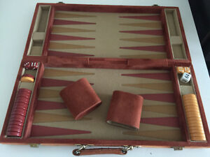 VINTAGE AND ORIGINAL COMPLETE BACKGAMMON GAME