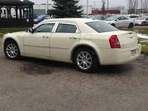2010 Chrysler 300-Series Berline