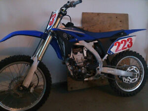 2010 YZ250F **(LOW HOURS/MINT CONDITION)** O.B.O