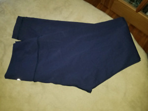 Nwot. Navy blue ,High-rise lululemon nulux WUP. Sz6