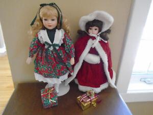 2 poupées de porcelaine de Noel pour 25$