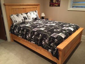 Farm style queen size bed with premium mattress