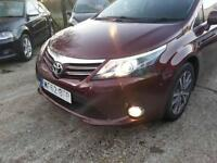 TOYOTA AVENSIS 2.0 D-4D TR 5dr (red) 2012