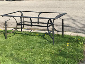 Free table frame missing glass