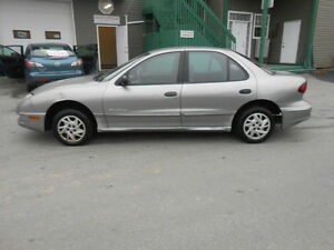 2005 PONTIAC SUNFIRE 4 DOOR SE TAX AND WARRANTY INCLUDED
