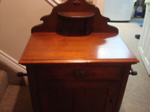 WASH STAND ANTIQUE