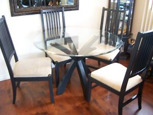 Glass Top Round Dining Table with 4 chairs