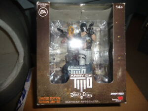 ARMY OF TWO COLLECTABLE BUST BRAND NEW
