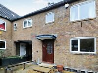 3 bedroom house in Redwood Close, Surrey Quays SE16
