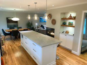 Fully Furnished Executive 4 Bed Oak Bay Home / 4 mth rental