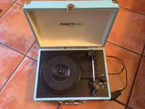 Tourne-disque portable Funkyfonic by DCI Portable Turnable