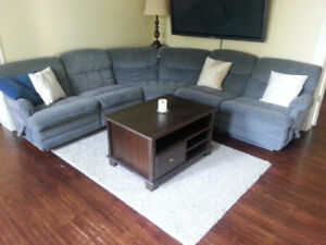 Sectional couch, 3 pieces, comfortable, with kick outs!