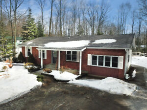 Move-In Ready Bungalow ~ Sauble Beach!!!