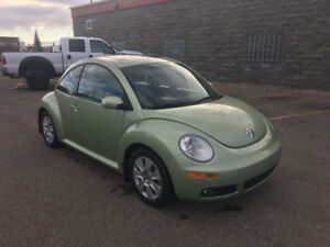 SOLD   2008 VOLKSWAGEN NEW BEETLE with No Accidents and Low km
