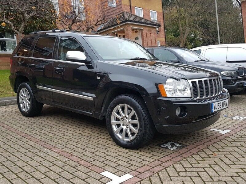 2006 jeep grand cherokee 5 7 hemi overland 4x4 9000 miles fsh in high wycombe buckinghamshire. Black Bedroom Furniture Sets. Home Design Ideas