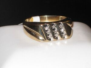 10k gold ring with 9 diamonds, size 11