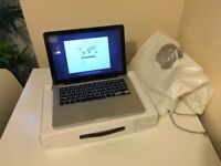 MacBook Pro 13-inch 2011 LED-backlit widescreen notebook with original box
