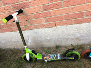 kids scooter (never used)
