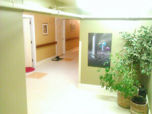 Students, furnished rooms available 4 rent. Everything included