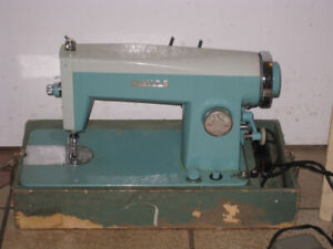 ASIS Vintage Whites Sewing Machine, working but has an issue