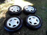 4 pneus Micheline MXV4 205/65R15 avec MAG 15 po 5x108 (4 po 1/4)